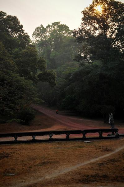 Day18-AngkorWatSunset-45.jpg