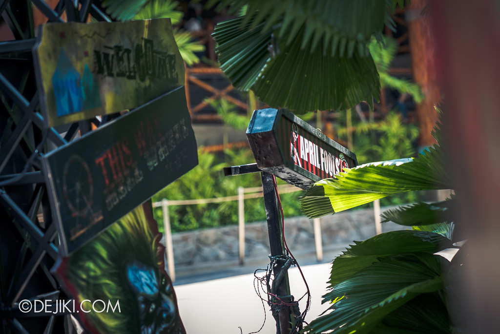 Halloween Horror Nights 7 Before Dark 5 Construction Preview - Happy Horror Days scare zone - April Fools' Day sign