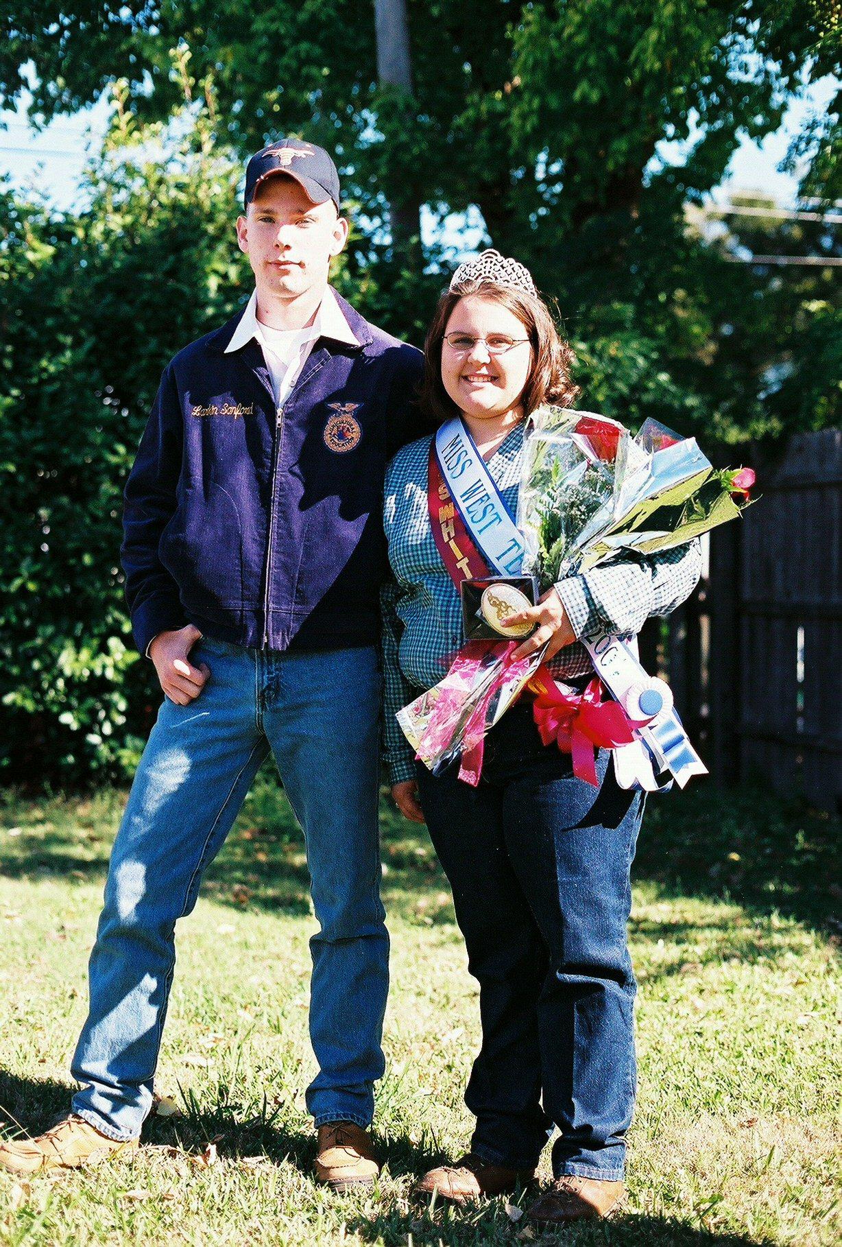 Queen and Escort Whitesboro Peanut Festival, 2004