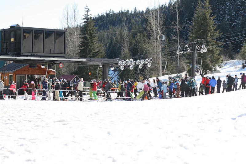 The new Hyak Lift is BUSY. LINES all day!