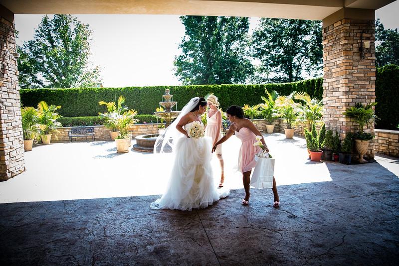 36_bride_ReadyToGoPRODUCTIONS.com_New York_New Jersey_Wedding_Photographer_JENA8946.jpg