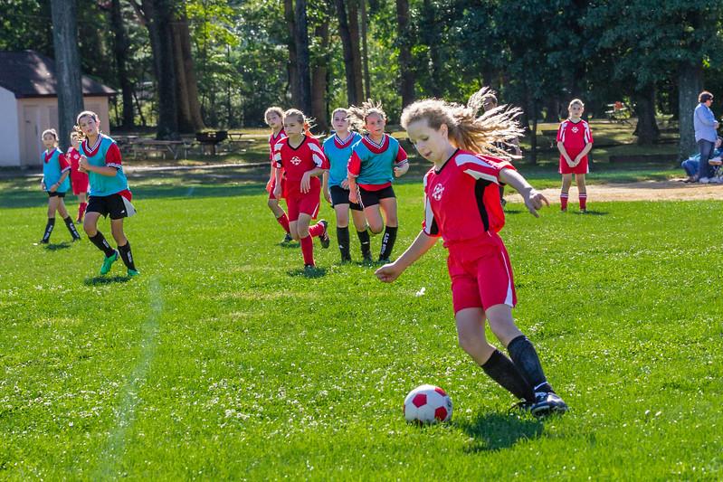 2013-09 Natalia soccer 2055.jpg
