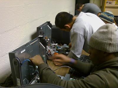 Students Rebuild Computers
