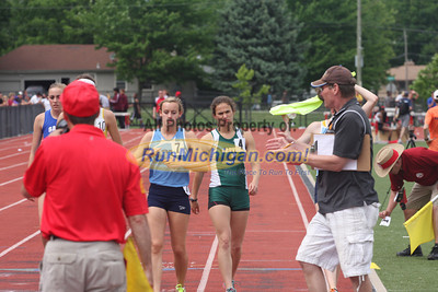 D1 800M. 200M, 3200M, 1600M Relay - 2013 MHSAA LP Track and Field
