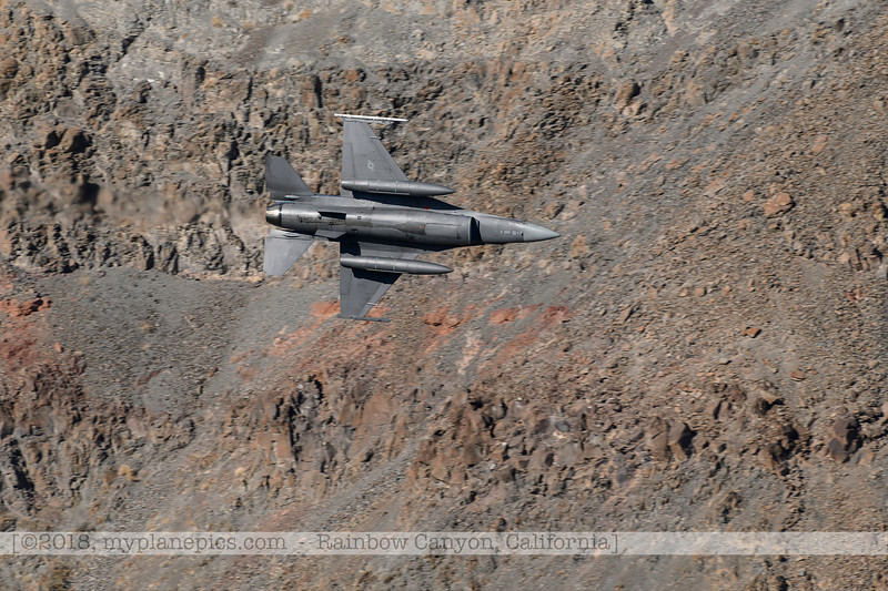 F20181108a124420_1211-General Dynamics F-16 Fighting Falcon-Belly.jpg