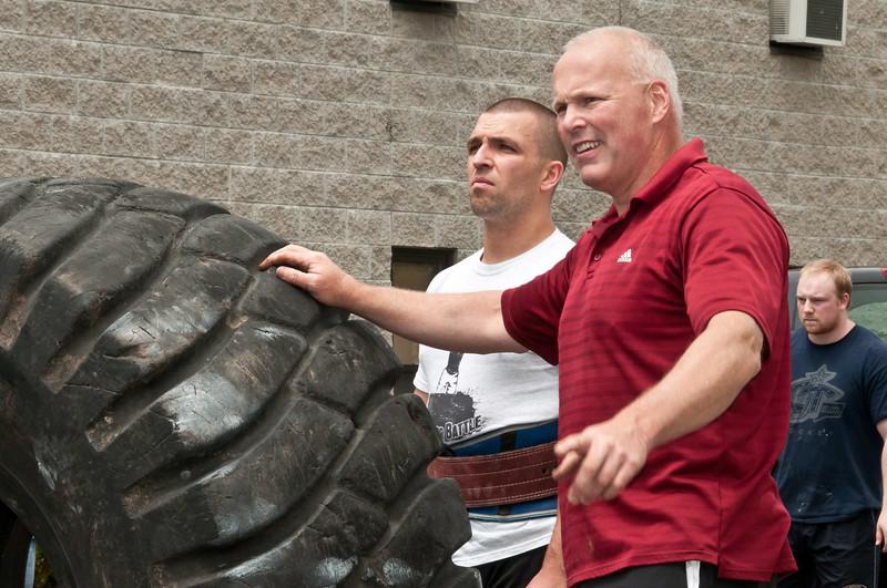 Fitness Revolution Strongman Challenge 2011_ERF4220.jpg