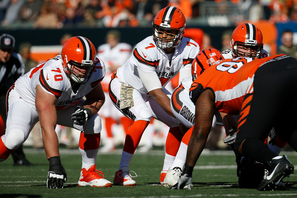 . Cleveland Browns quarterback DeShone Kizer (7) calls out to his teammates before taking the snap in the first half of an NFL football game against the Cincinnati Bengals, Sunday, Nov. 26, 2017, in Cincinnati. (AP Photo/Frank Victores)