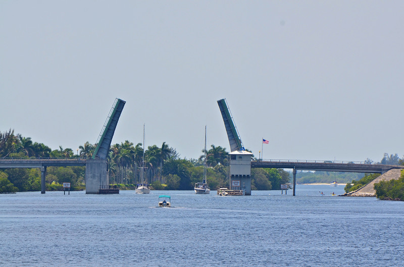 Draw bridge from Hobe Sound to Jupiter Island