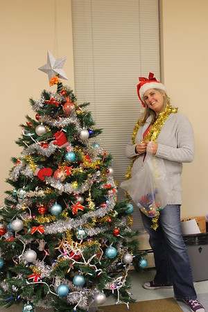 Teen Center Christmas Decorating
