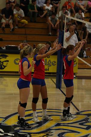 2009 FHS Varsity VB at Oak Ridge 09-08-09