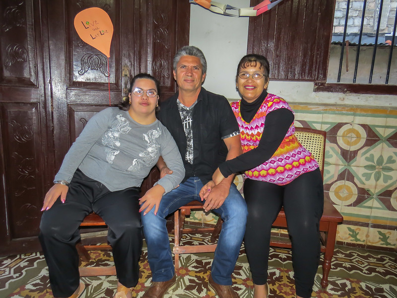 'Mi familia' at whose home I worked: Llanette, Jose, and Liliana. I wish you well!