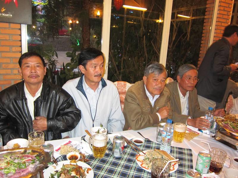 Trần Văn Đồng, Nguyễn Hùng, Đặng Mậu Phước,Trần Bá