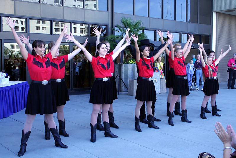 5629 In Cahoots Dancers.jpg