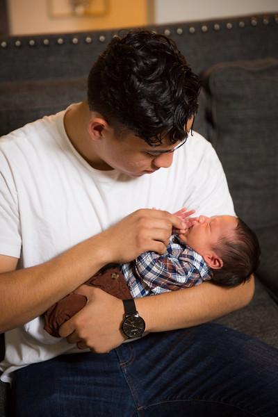 Baby Carlos-19.jpg