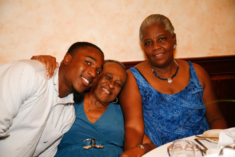 Edouard Family Reunion-3563.jpg