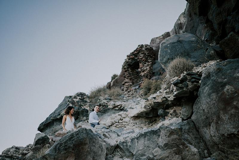 Tu-Nguyen-Destination-Wedding-Photographer-Santorini-Elopement-Alex-Diana-255.jpg