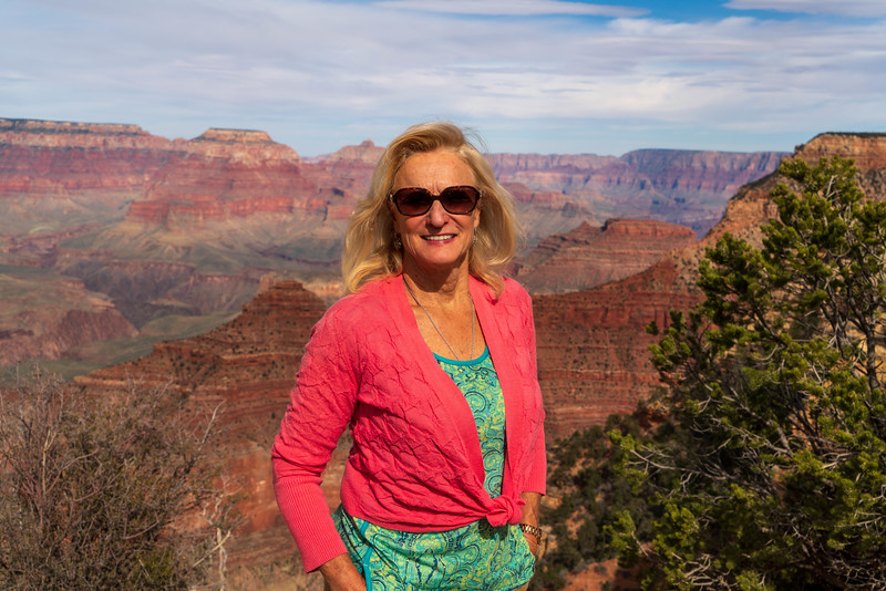 Doesn't she blend in with the beauty of the Grand Canyon?