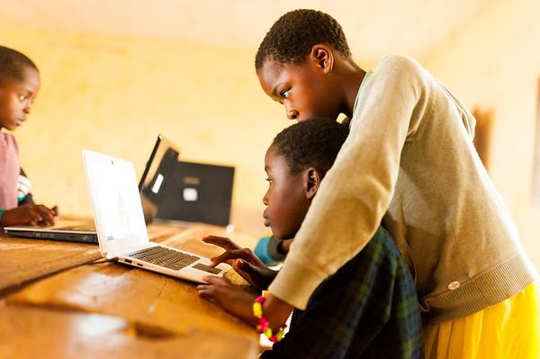 Volontariato fotografico in Cameroun: Dubbi esistenziali e riflessioni sparse