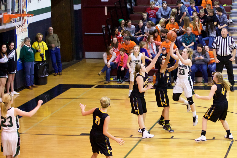 '17 Cyclones Girls Basketball 236.jpg