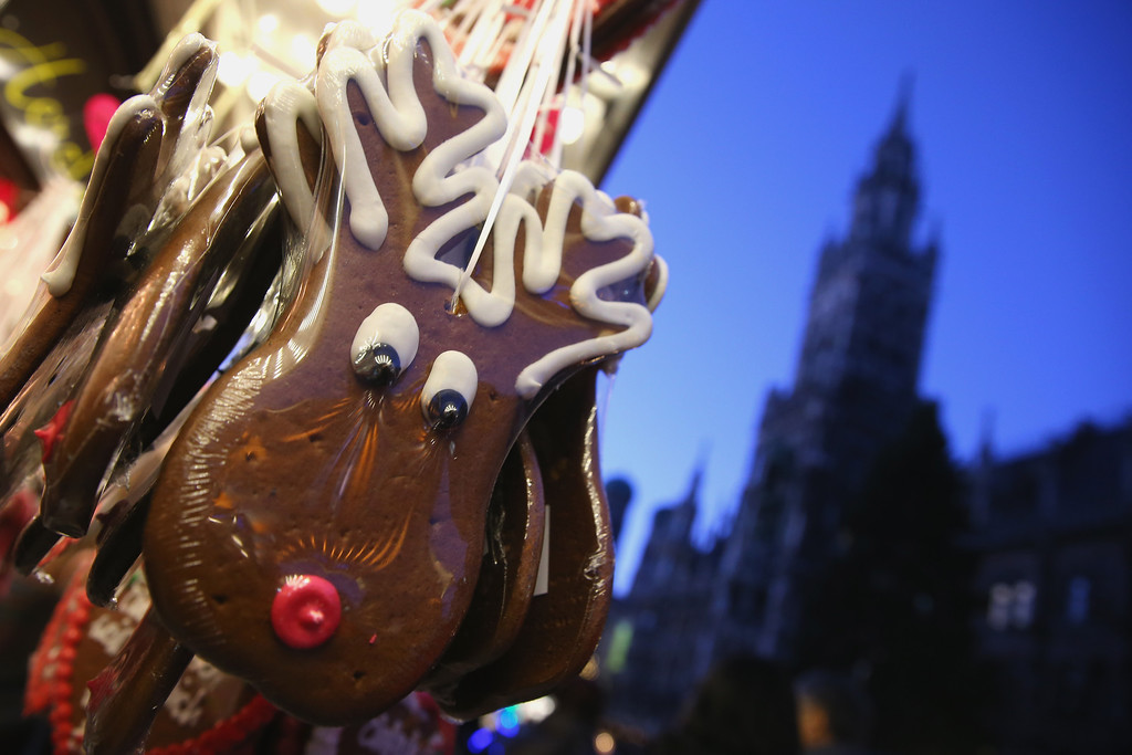 . Traditional Christmas ginger bread reindeer seen at the annual Christmas market at Marienplatz with the Town Hall in the background on its opening day on November 25, 0213 in Munich, Germany.  (Photo by Alexander Hassenstein/Getty Images)