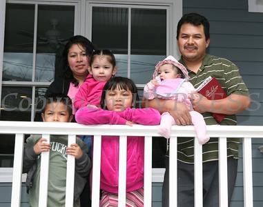 Habitat Cruz Family