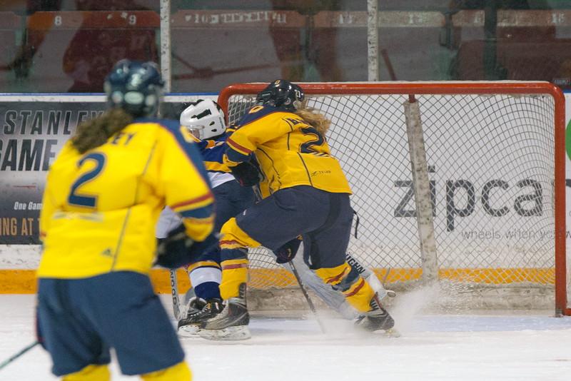 20130310 QWHockeyvsUBC 182.jpg