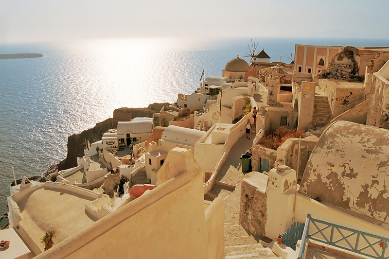 The beautiful Oia, Santorini, Greece (July 2006)
