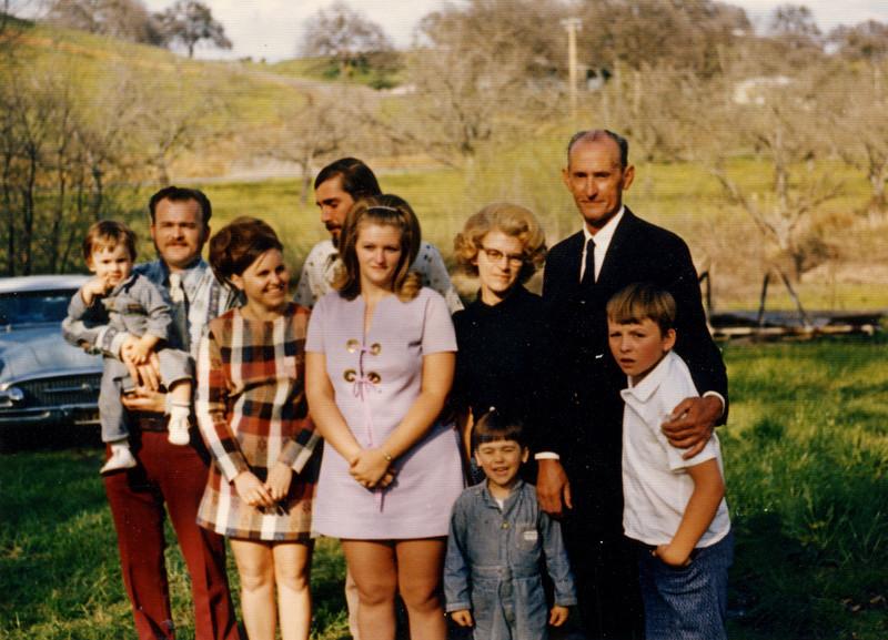 Family of Jame Ruddell 1973.JPG