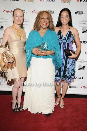 Robin Cofer, Cassandra Seidenfeld Lyster, Roberta Flack photo by Rob Rich © 2010 robwayne1@aol.com 516-676-3939