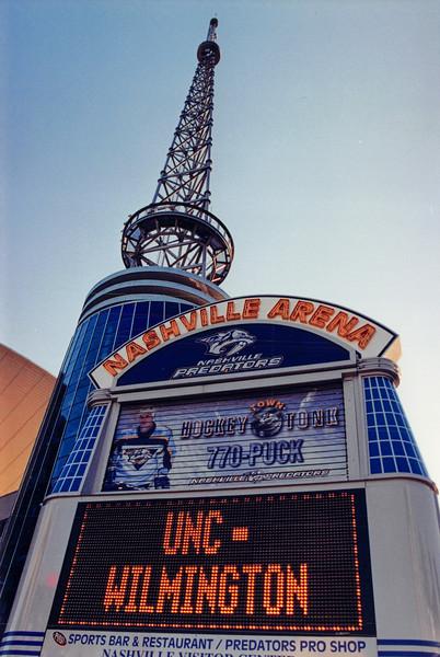 UNCW Basketball 99-00-69.jpg