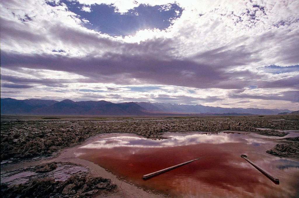 . This July 16, 1997 file photo shows Owens Lake, reduced to a dry lake bed, in the Owens Valley near Independence, Calif.   (AP Photo/Damian Dovarganes, File)
