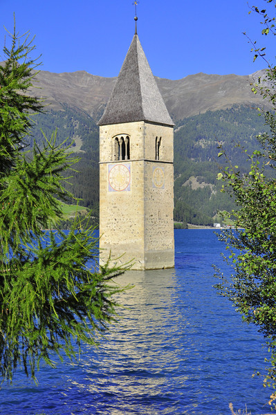 Lake Resia and the flooded tower and town