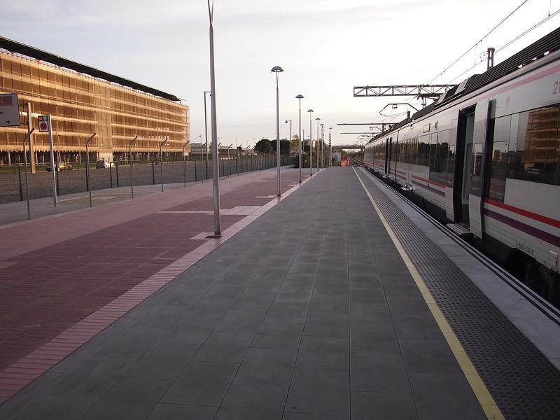 P4195451-airport-train-station.JPG