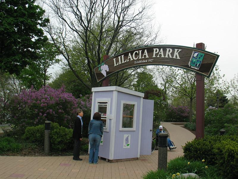 Lilacia Park entrance