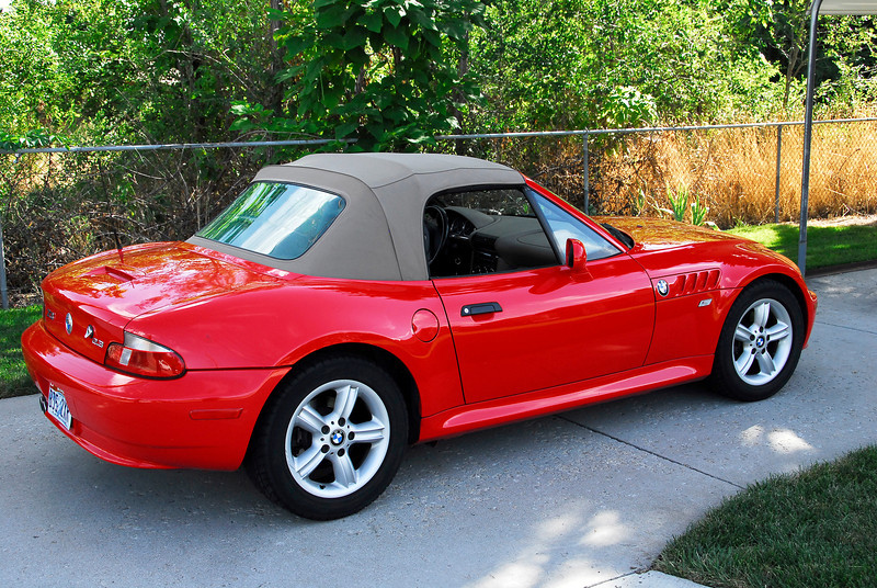 2011/8/20 – I've wanted a motorcycle for years but Lisa has always said no. The trade off was that someday I could have a convertible instead. I think I found the one I want. I can't really afford what I want so this is a 2000 BMW Z3 with 70,100 miles on it. It has a few dings and wear, but the transmission and engine seem to be rock solid and the leather interior looks extremely good for its age. I've made a formal offer and have until Monday at 5p to either pay for it, or change my mind. I'm leaning strongly towards buying it.