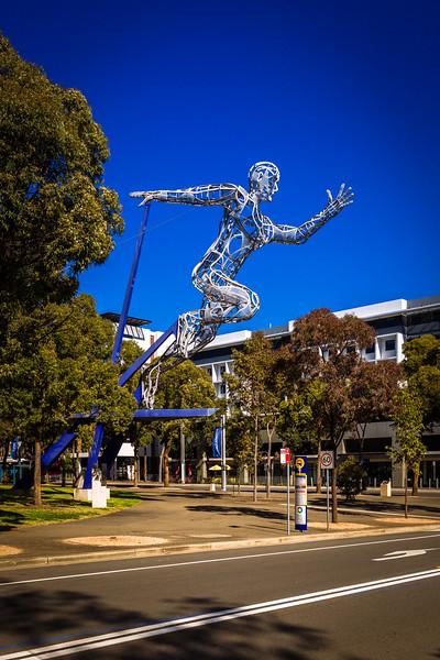 Sydney Olympic Park : Sculpture 'The Sprinter'
