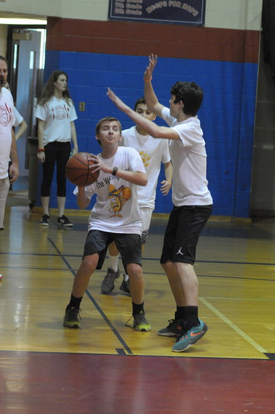 Colonial Middle School students participate in 4 on 4 for a Cure
