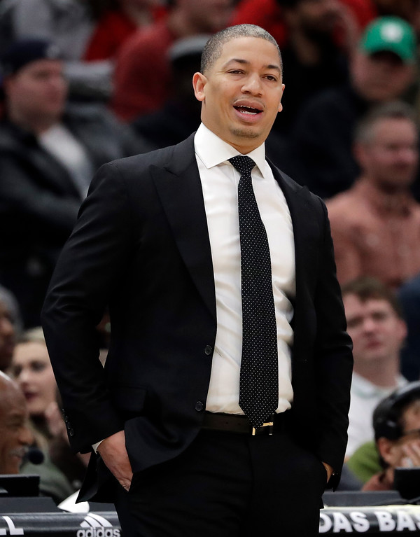 . Cleveland Cavaliers head coach Tyronn Lue reacts as he watches his team during the first half of an NBA basketball game against the Chicago Bulls, Saturday, March 17, 2018, in Chicago. (AP Photo/Nam Y. Huh)