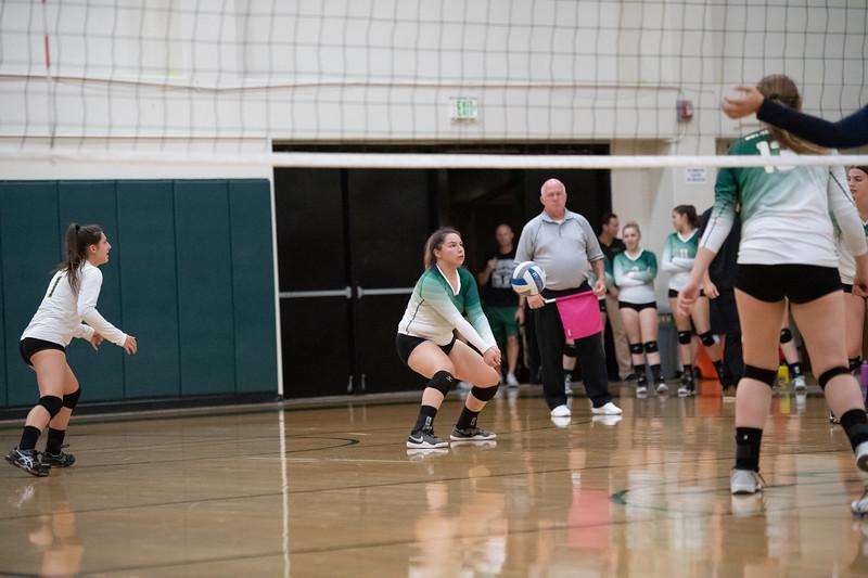 W-Volleyball-2018-10-03-6634.jpg