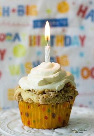 Butter Pecan Banana Birthday Cupcake - Catalog #4034