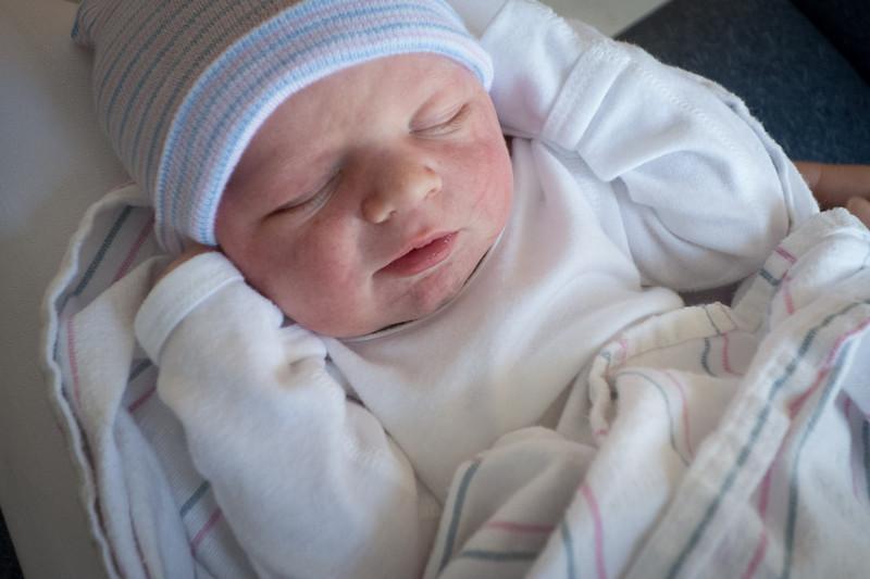 Kevin Baker Newborn-08.jpg