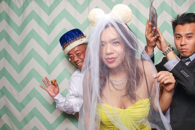 2014-12-20_ROEDER_Photobooth_WinnieBailey_Wedding_Singles_0673.jpg