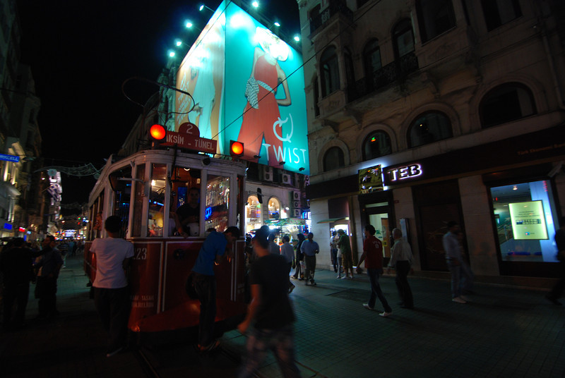 trolley in Beyoglu (2).JPG