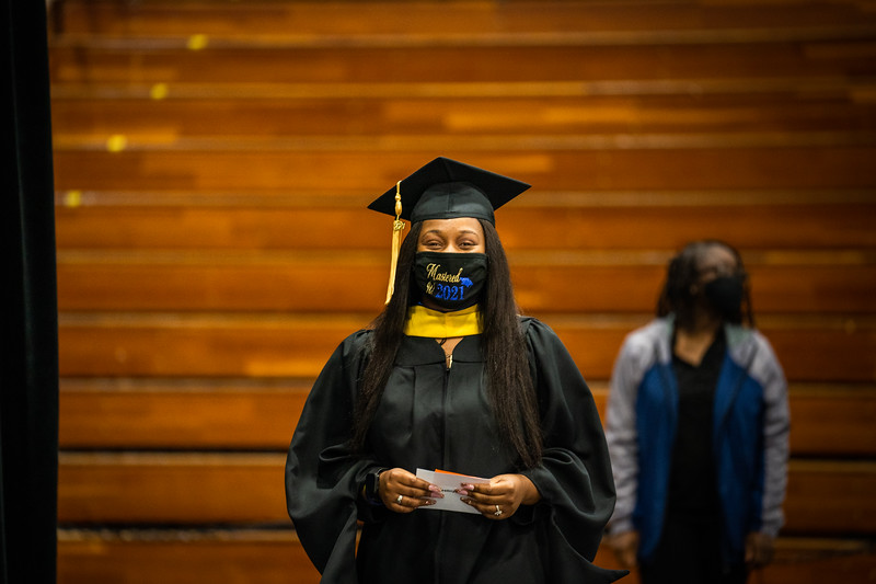 M21073-Graduation-01877.jpg
