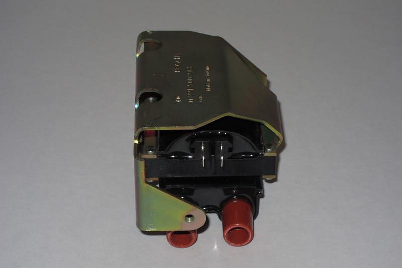 BMW 12-13-1-244-426 / Bosch 0 221 500 203 Ignition Coil