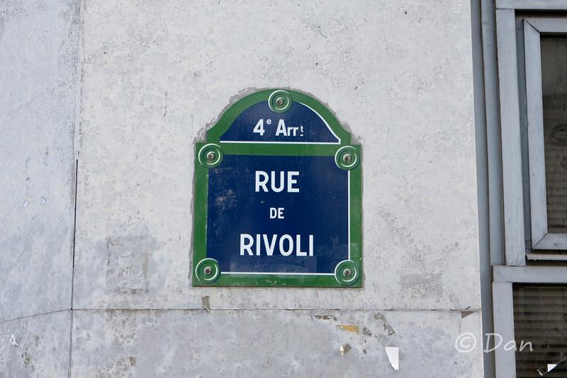 I stay at Rue de Rivoli
