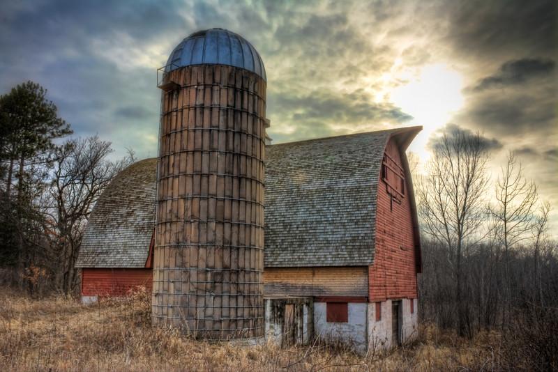 2010-03-16Dramatic Barn_PSE.jpg