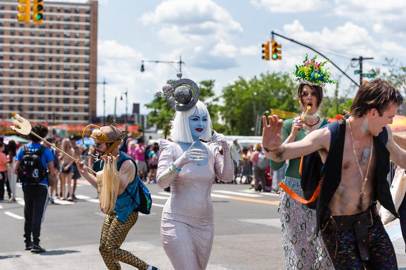 2019-06-22_Mermaid_Parade_2114.jpg