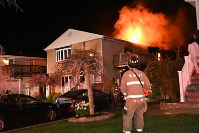 Fire rips through Shirley Home On Kent Kids Escape{2021.04.19}