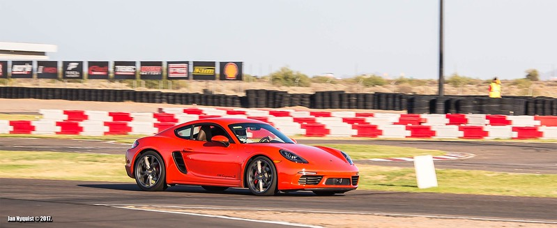 Porsche-718-Cayman-S-4931.jpg